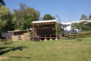 Dieses Jahr neu: eine kleine Bühne in der Bucht