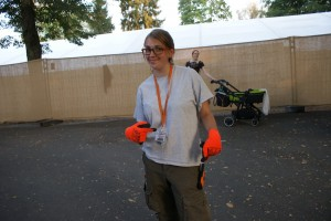 Unsere Helfer sind modisch bis ins Detail. Orange ist das Farbthema dieses Jahr...
