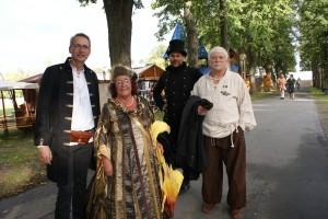 Der Selber OB und die zweite Bürgermeisterin mit Gefolge