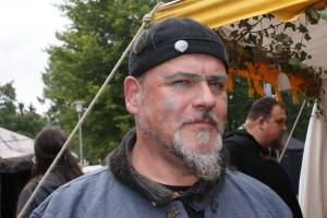 Einen keltisch bemalten Mann
